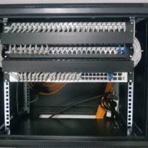 Сильні сторони настінного телекомунікаційного шафи